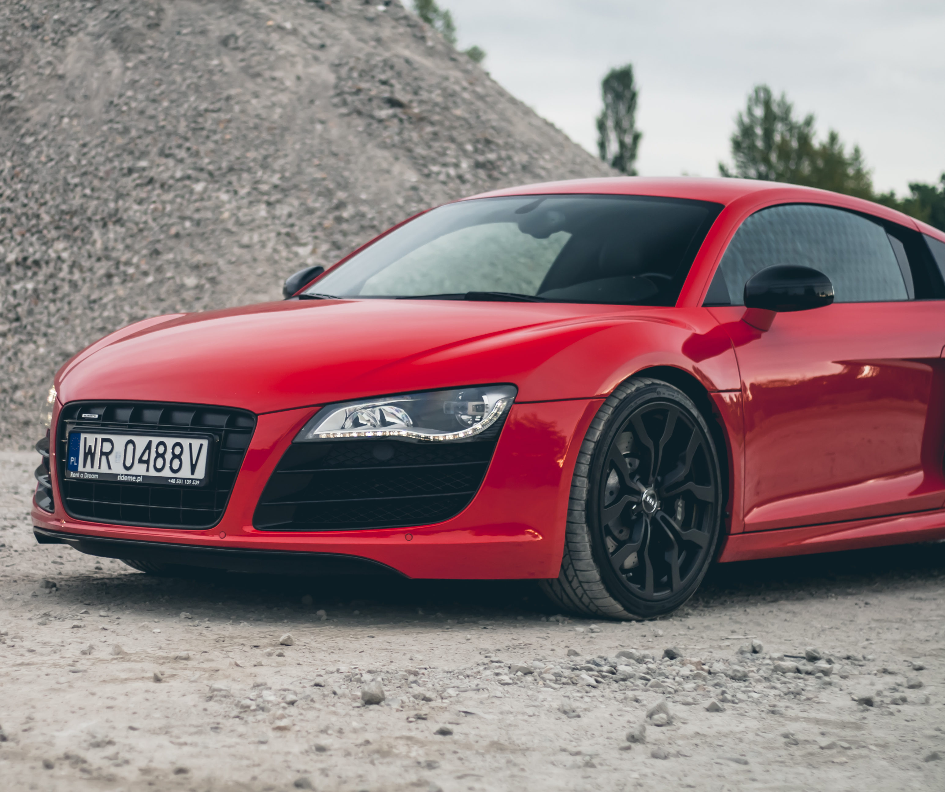 Lady in Red – Audi R8
