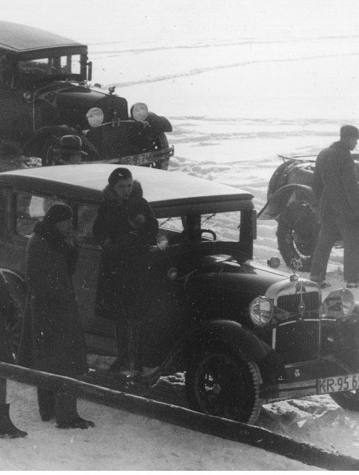 Samochody biorące udział w gymkhanie, 1931r. (źródło: NAC)